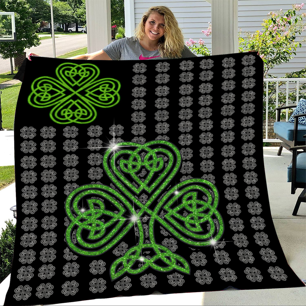 Personalized Lovely Quilt Throw Blanket St Patrick's Day Irish Clover Pattern 2 Lightweight Super Soft Cozy For Decorative Couch Sofa Bed
