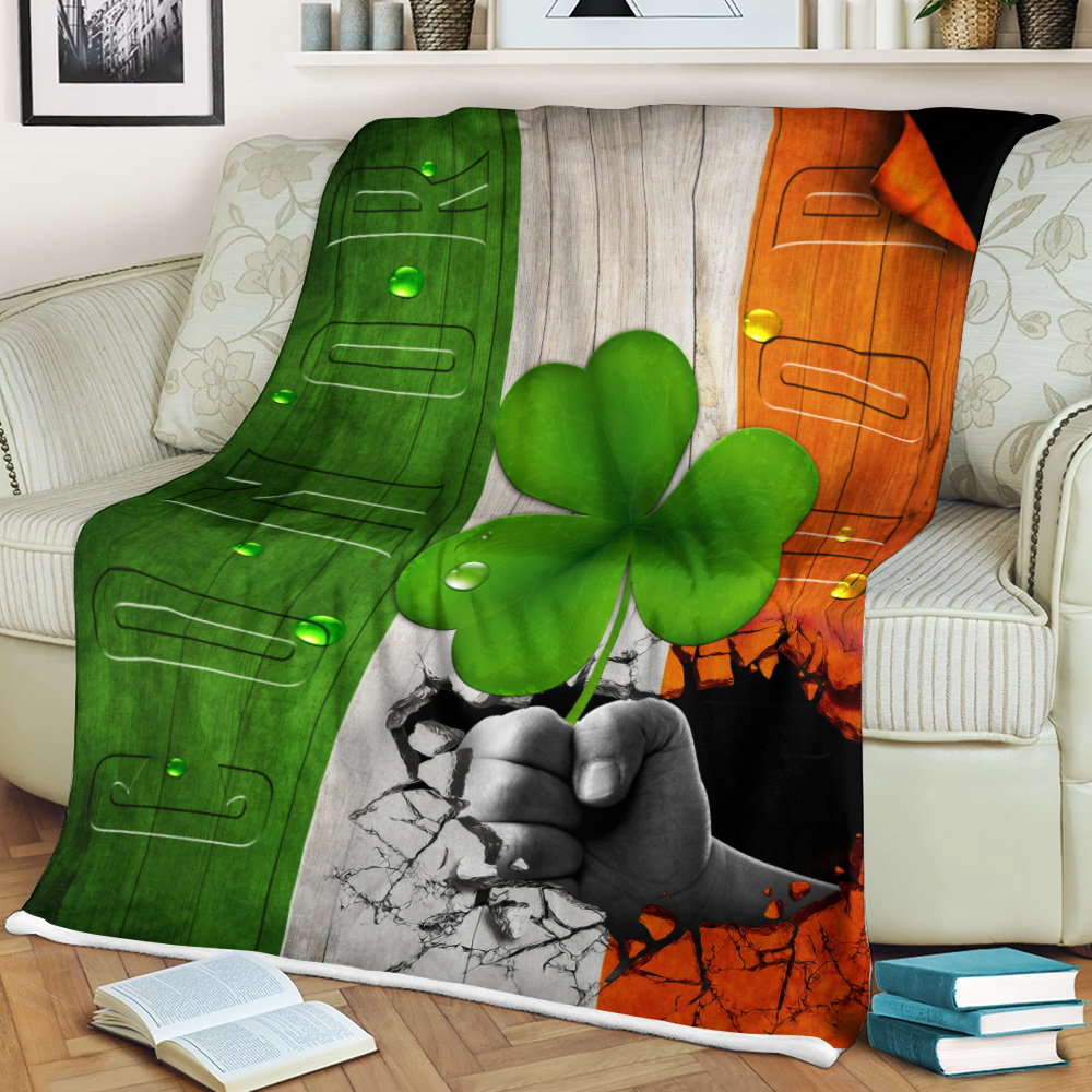 Personalized Lovely Fleece Throw Blanket St Patrick's Day Heart Irish Conor Pattern 2 Lightweight Super Soft Cozy For Decorative Couch Sofa Bed