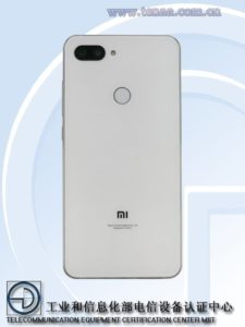 Xiaomi Mi 8X - zadní strana