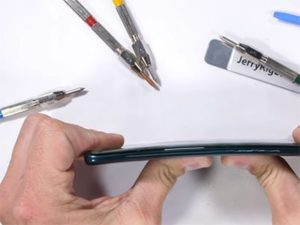 Huawei Mate 20 Pro selhal v testu odolnosti