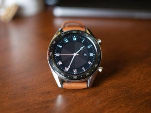 Další chytré hodinky od Huawei na Harmony OS