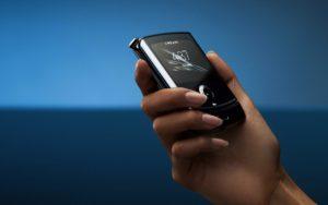 Motorola Razr v testu odolnosti