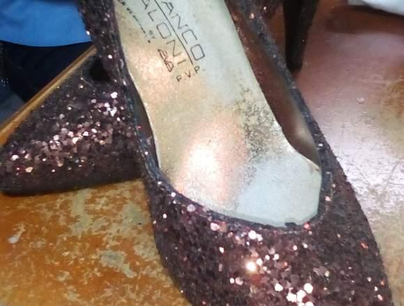 Zapatos para damas.
