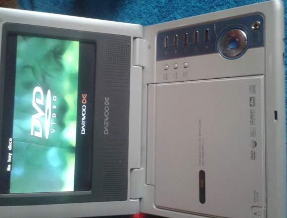 DVD portatil con su respectivo cargardo