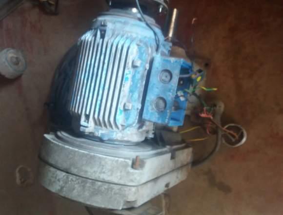 Motor con reductor 4hp en excelentes condiciones