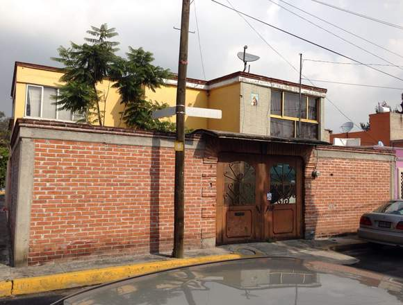 CASA EN ESQUINA COLONIA COYOL GAM CDMX