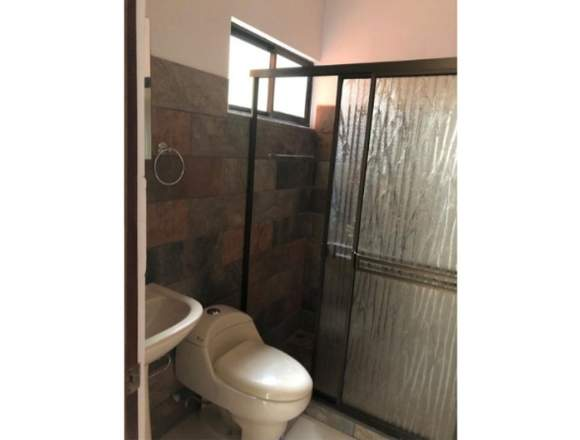 V#18 Esplendorosa casa en venta/ Ciudad Colón