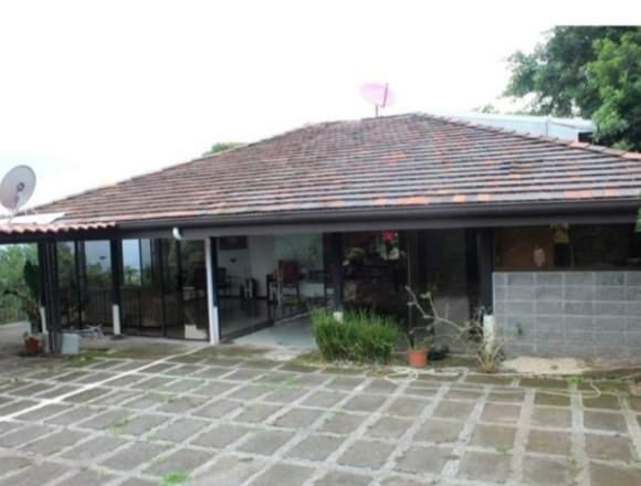 V#05 Casa en venta con vista/ Ciudad Colón.