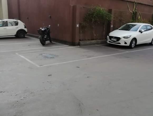 Arriendo de estacionamientos matta 52