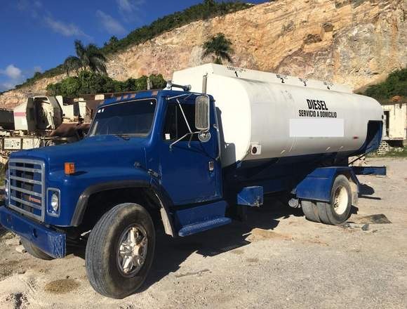 Camion Combustible 3,200 Galones