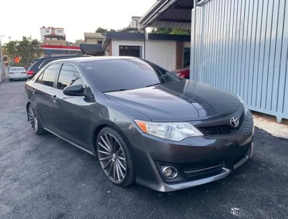 Vendo Toyota Camry 2012 en Excelentes Condiciones.