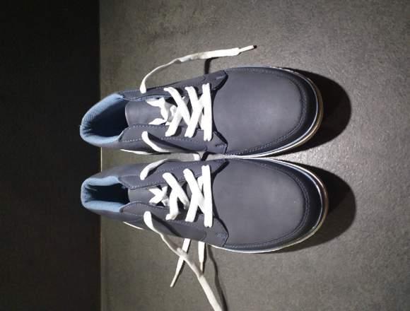 Herren Schuhe Sneaker 42.