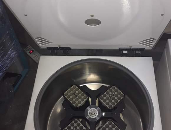 Centrifuga Marca: Hermle Modelo: Z400