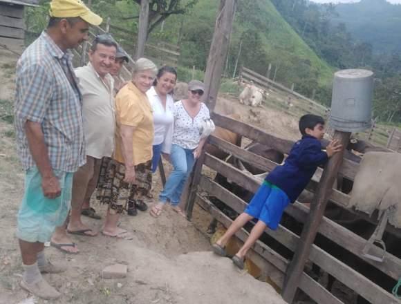SE VENDE Hacienda CHONE 150 Cuadras  Prox.REPRESA