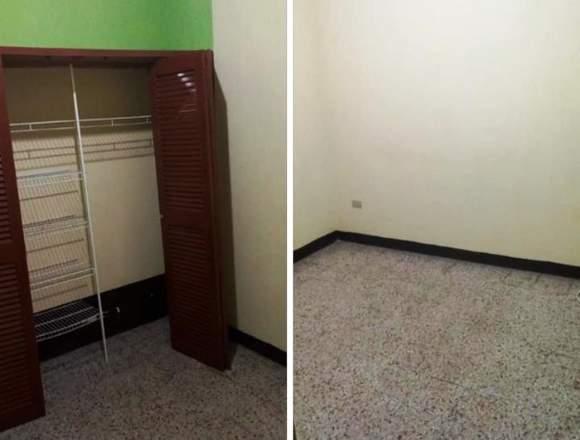 En casa decente y segura rento 2 habitaciones.