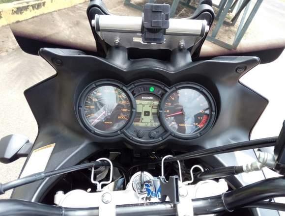 Vendo Moto vstrom DL 650