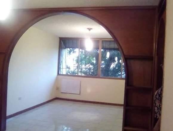 Apartamento en Conjunto Residencial La Churuata.