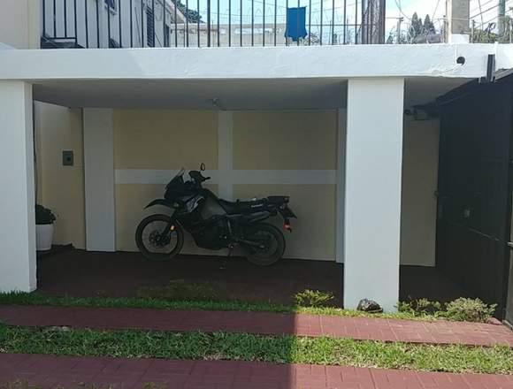 Vendo casa en boulevar de Balcones San Cristobal