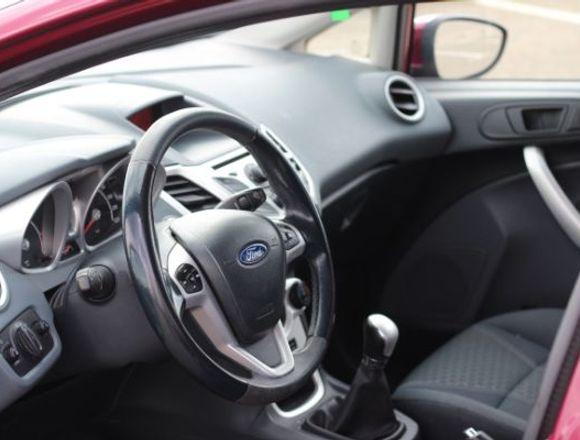 Ford Fiesta con poco uso y perfecto estado.