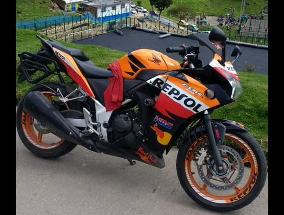 VENDO MOTO HONDA CBR 250