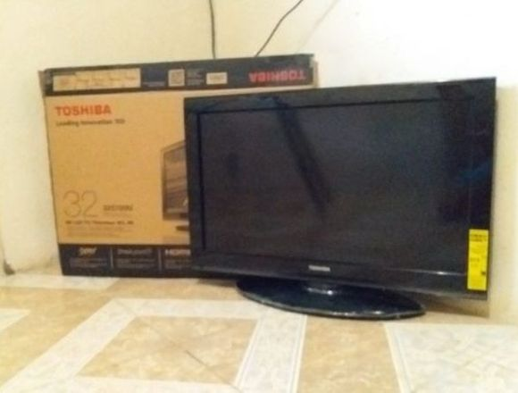 Toshiba 32 pulgadas 720p 60Hz LCD HDTV