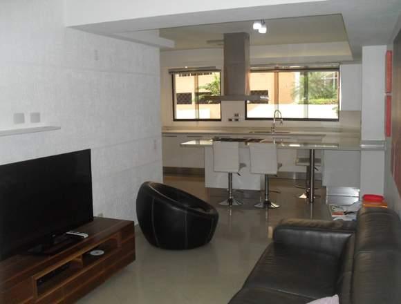En venta apartamento en El Parral Res. Pegaso