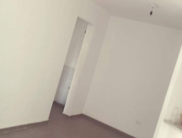 Alquilo depto de 1 dormitorio , mts bv san juan
