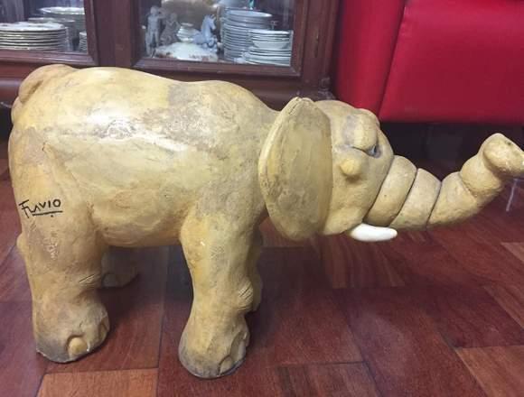 Elefante de adorno de artista