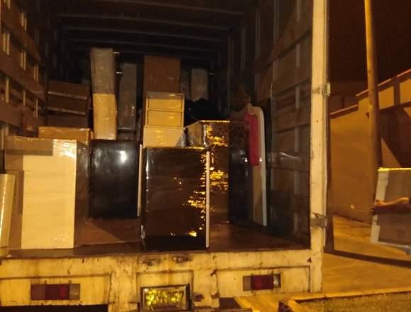 Servicio de transporte de carga y mudanza