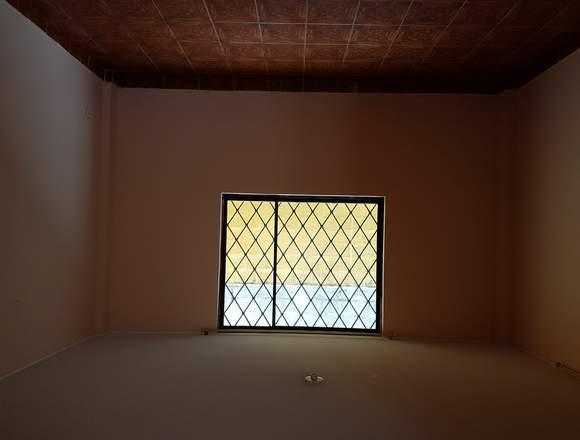 Vendo Casa De 2 Pisos Sector El Conde Sur De Quito