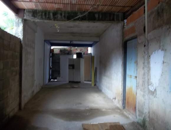 Local listo y casa obra gris, La Candelaria, Limón