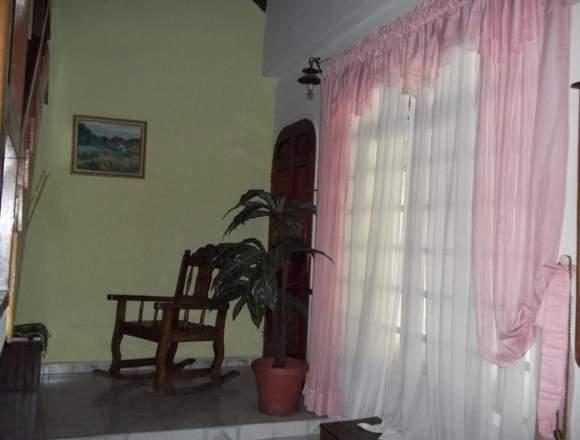 Alquilo quinta, calle acuario, El Limón, Maracay.