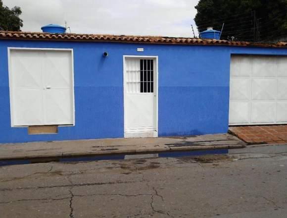 Cómoda Casa En Urbanización La Esmeralda Maracay.