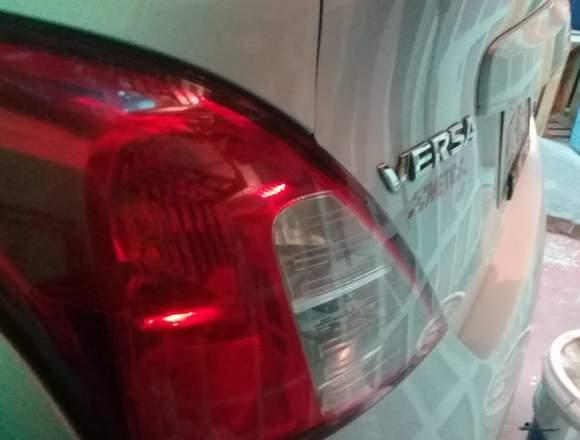 Nissan Versa plata 1.6 L Sense 2012