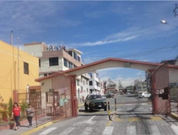 Vendo casa norte de Quito. Entrada a Llano Grande