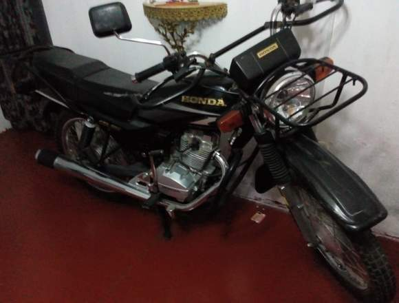 Vendo moto marca HONDA modelo CGL 125 TERRA.