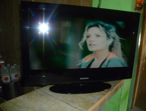 TV SAMSUNG DE 32 PULGADA CERO FALLA SIN CONTROL