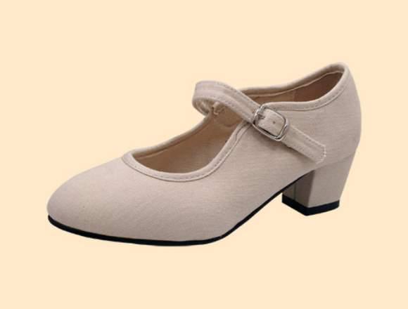 Lote de calzado y moda flamenca