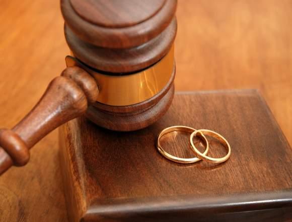Necesita ayuda? Abogado de familia y divorcios