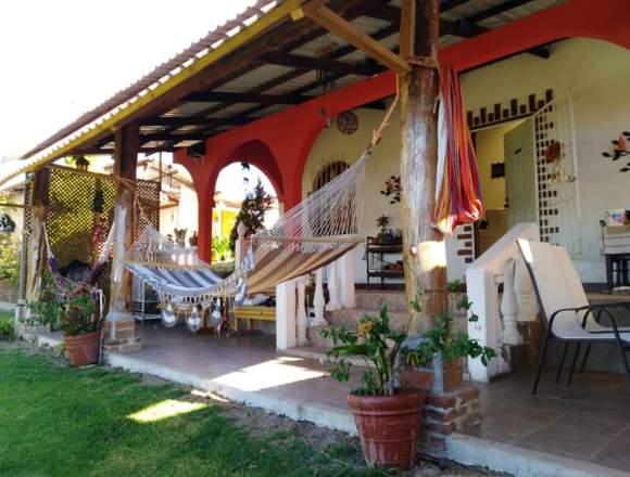 Hermoso hotel en venta en Santa Apolonia