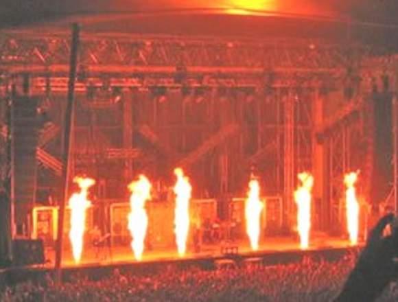 explosion de confeti venturi lanza llamas medellin