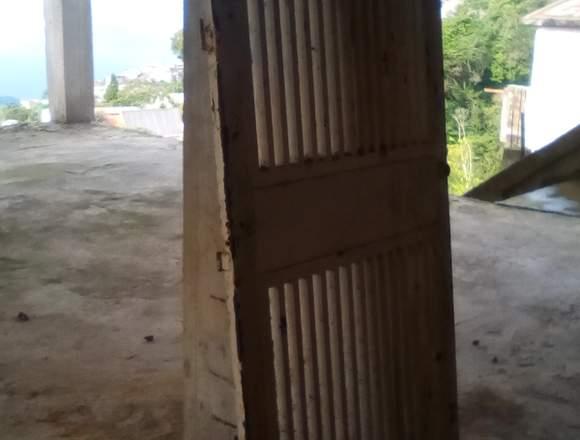 Puerta de hierro usada REMATE