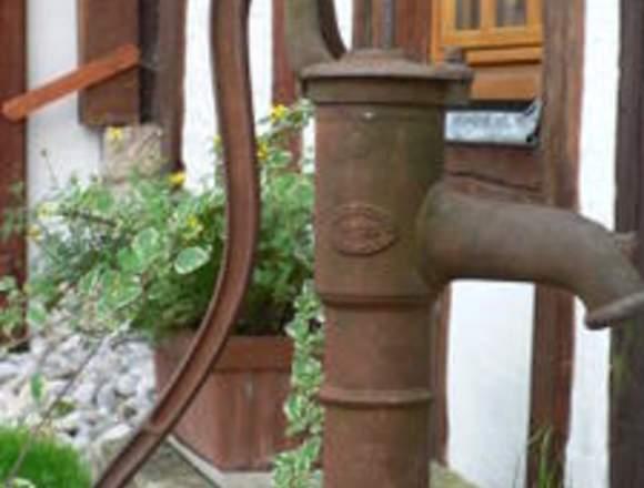 Venta de bombas de agua antiguas de Hierro Ecuador