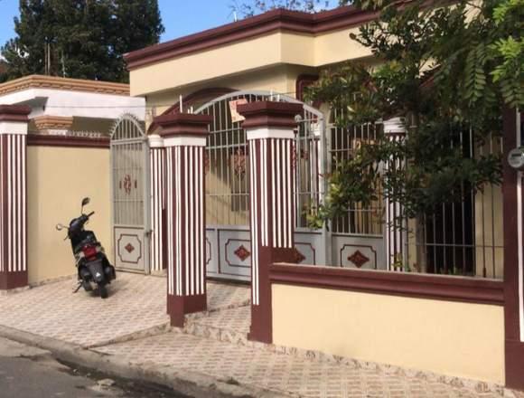 vendo casa en Bonao, en excelentes.