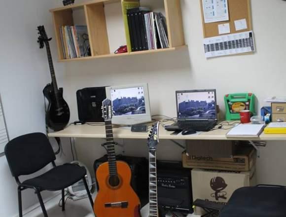 AMADEUS ESCUELA DE MUSICA DE 4 A 99 AÑOS