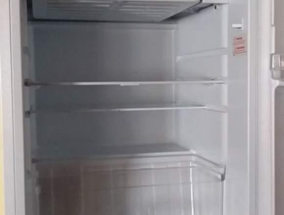 Refrigerador casi nuevo de oportunidad 0998002298