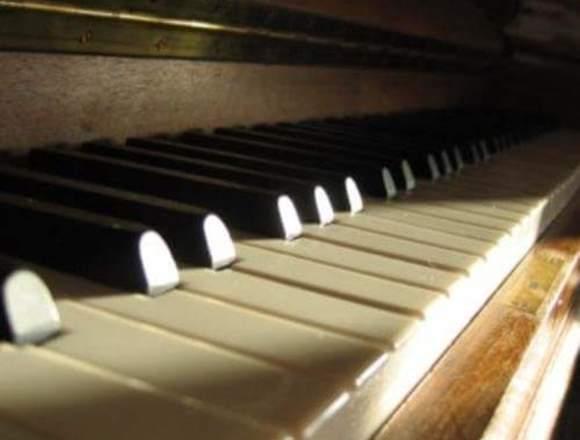 Clases de Canto para Solistas y Grupos.