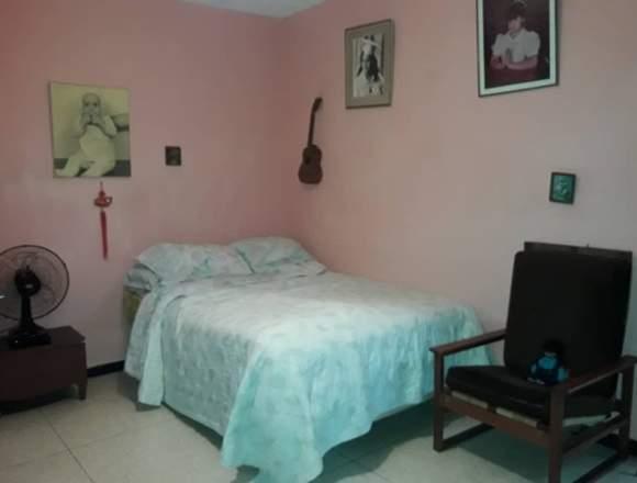 Alquilo linda habitación a dama sería
