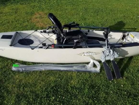 2017 Hobie Pro Angler 12 kayak