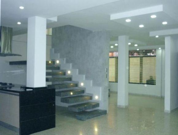 VentaTownhouse246mts2 en Urb. privada Limón